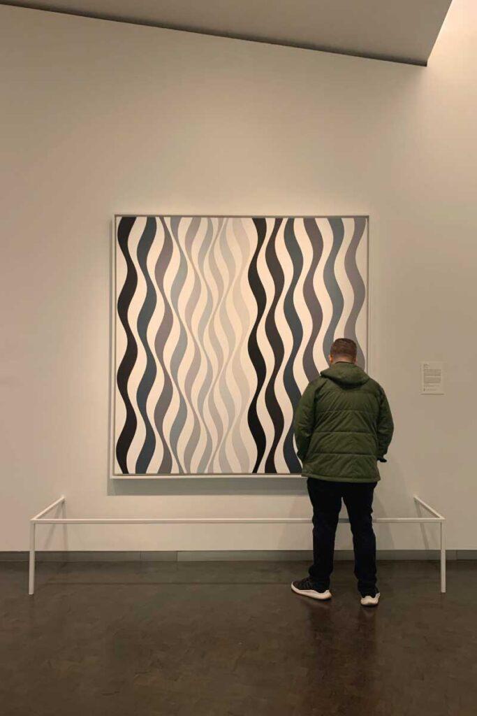 Bridget Riley art at Nelson-Atkins Museum